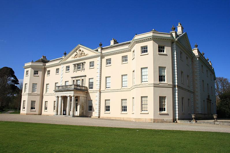 Saltram House en Plymouth, que se utilizó como locación para Sensatez y Sentimientos de 1995.