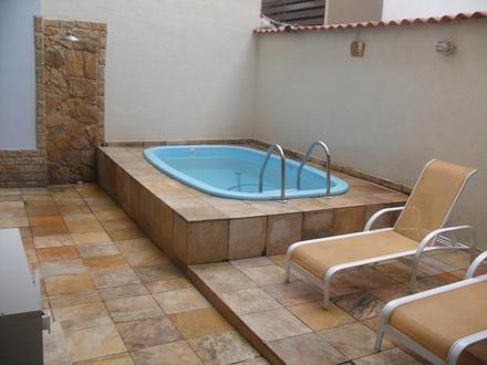 Casa com piscina pequena pesquisa google decor pinterest for Piscinas pequenas