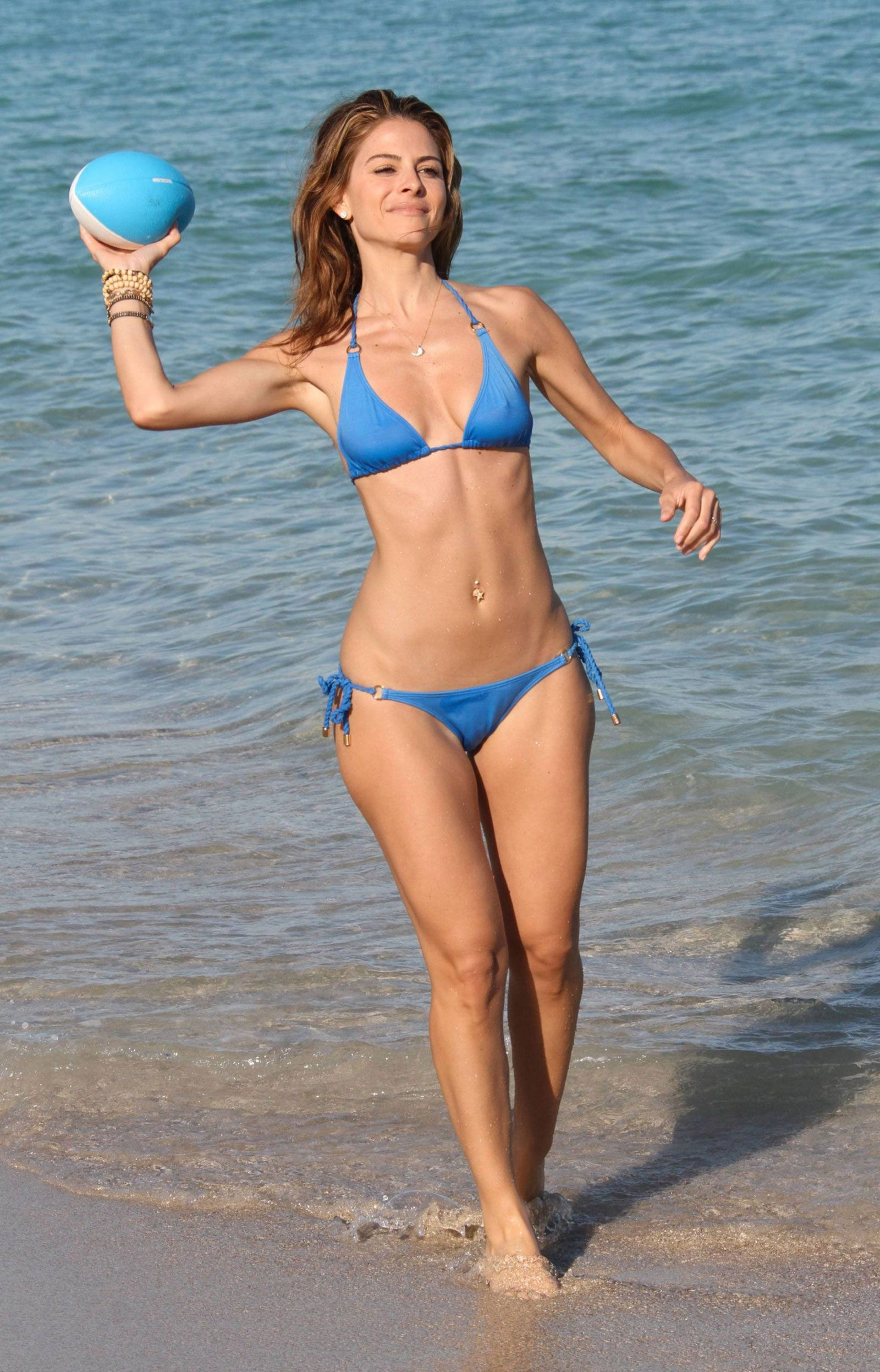 Maria menounos bikini photos tv host hits beach Maria  : eadab4161f8083eb7078c5318242218c from www.pinterest.com size 1600 x 2492 jpeg 613kB