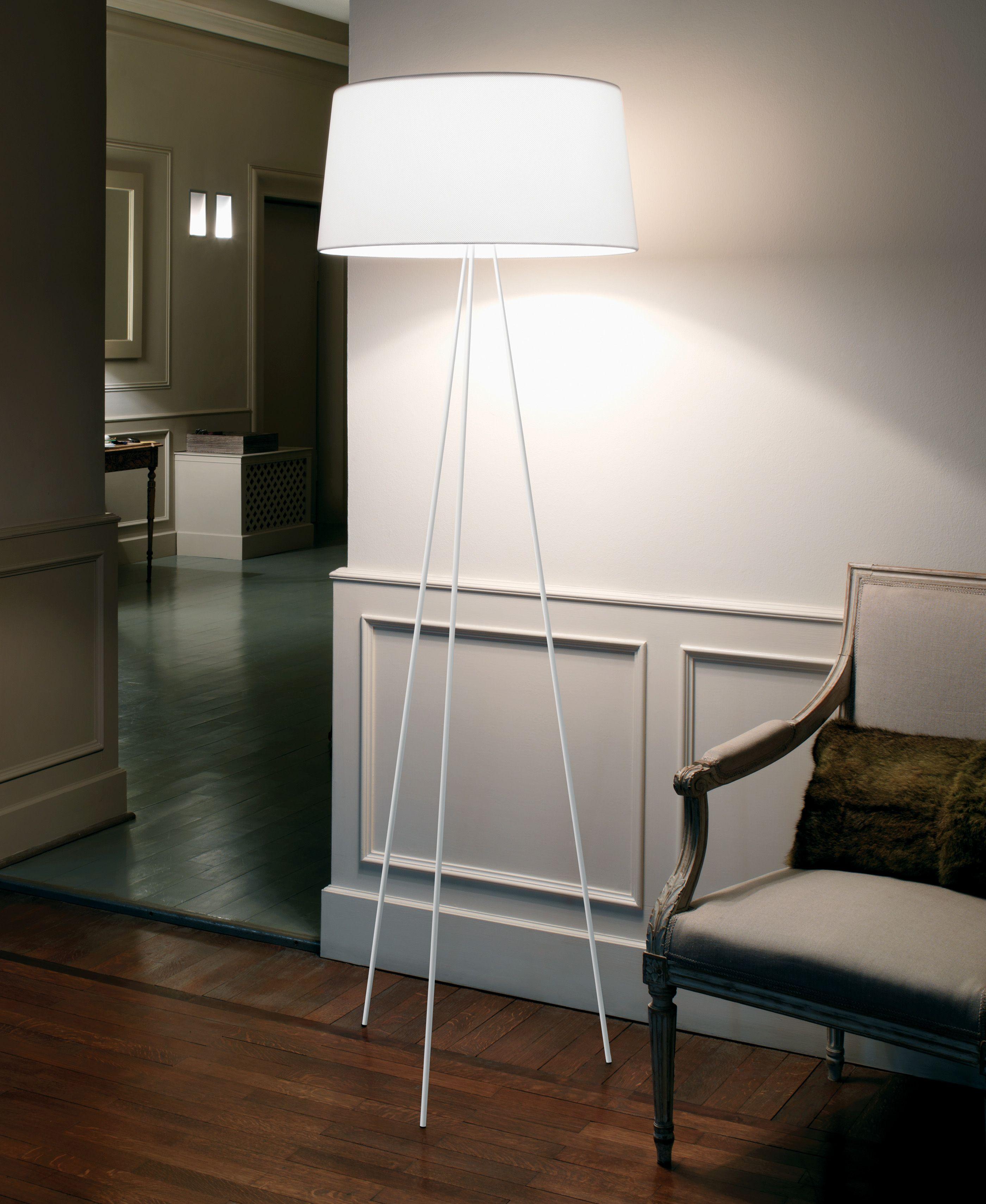 kundalini tripod standleuchte schirm wei als stehlampe direkt online bestellen alle infos. Black Bedroom Furniture Sets. Home Design Ideas