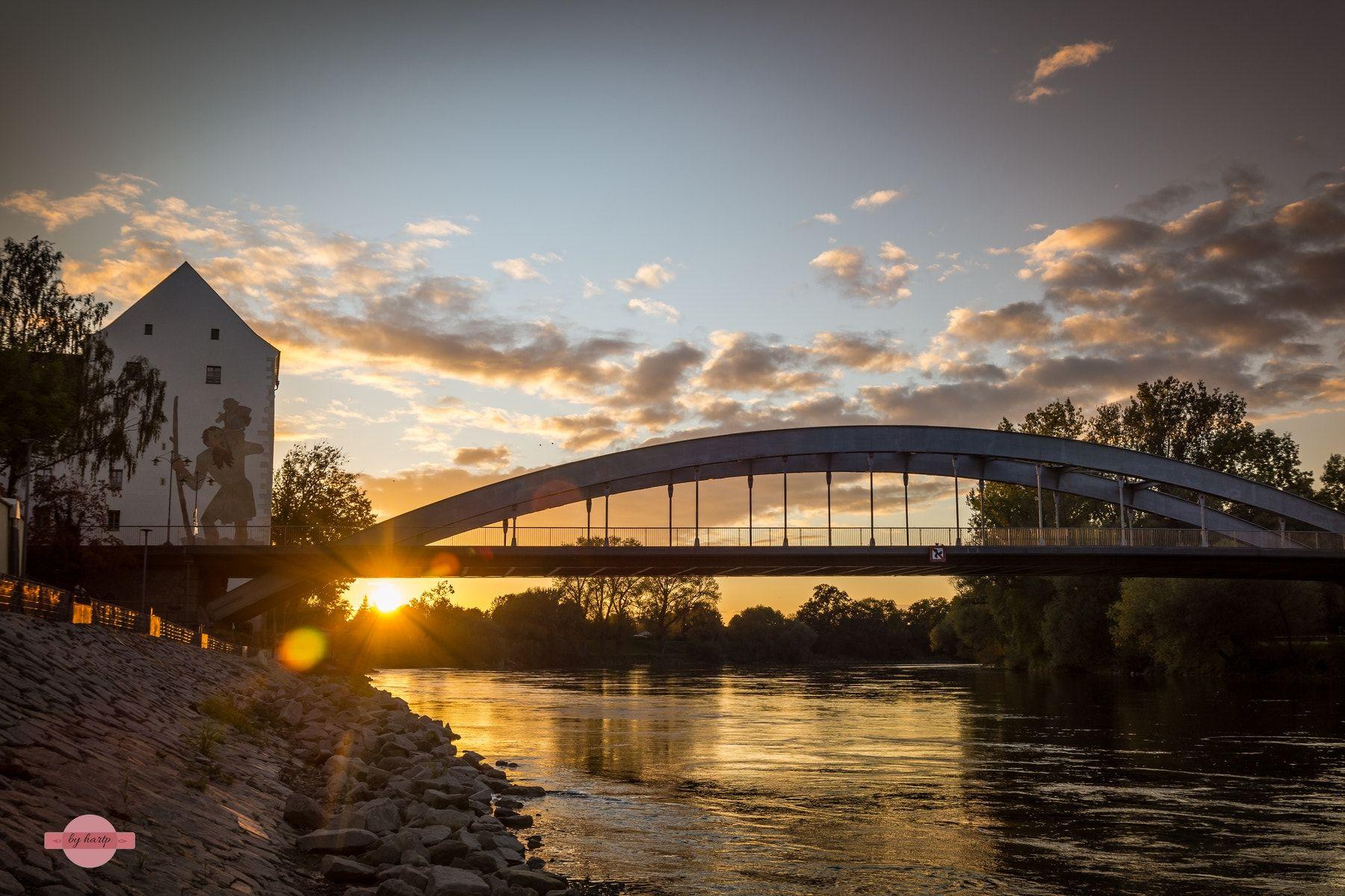 Herbstsonne Die Herbstsonne Scheint Uber Der Donau In Straubing The Autumn Sun Shines Above The Danube In Straubing Herbst Sonne