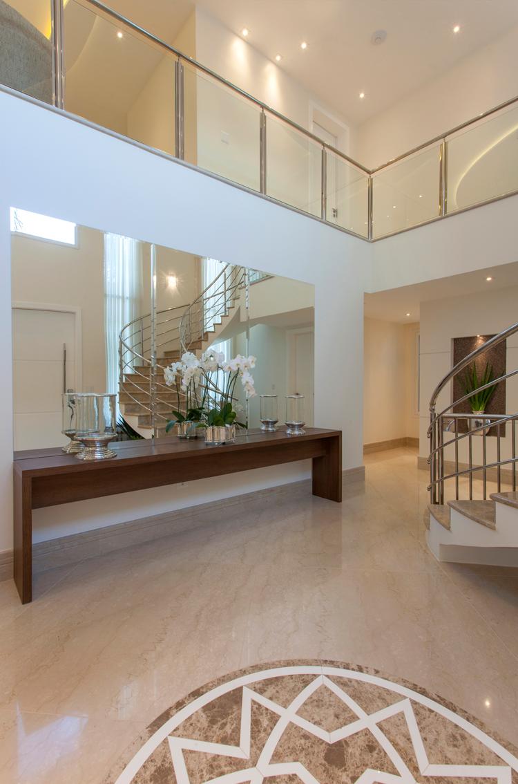 Hall, Aparador, Espelho diseños para casas Pinterest Arquitetura, Decoraç u00e3o e Blog -> Decoração De Hall Com Escada