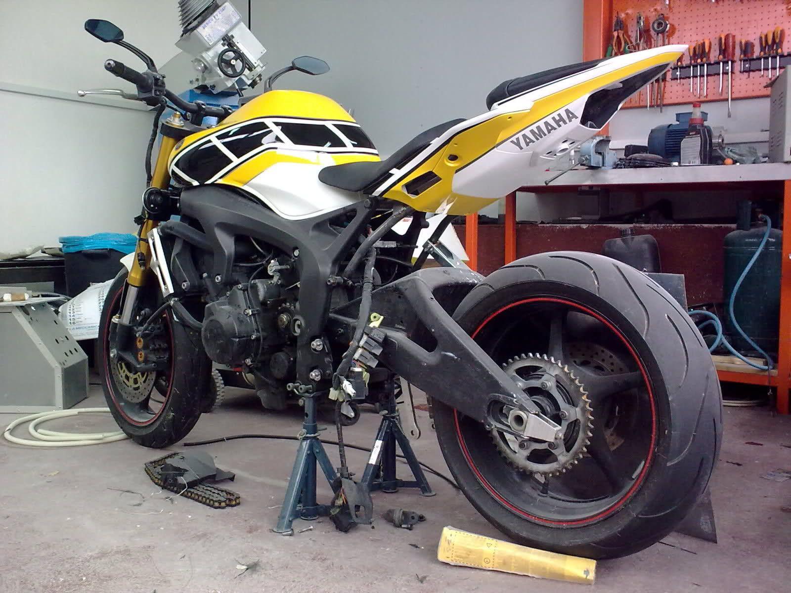 Codino Fz6 Cerca Con Google Fz6 Motorcycle Yamaha Fz 07