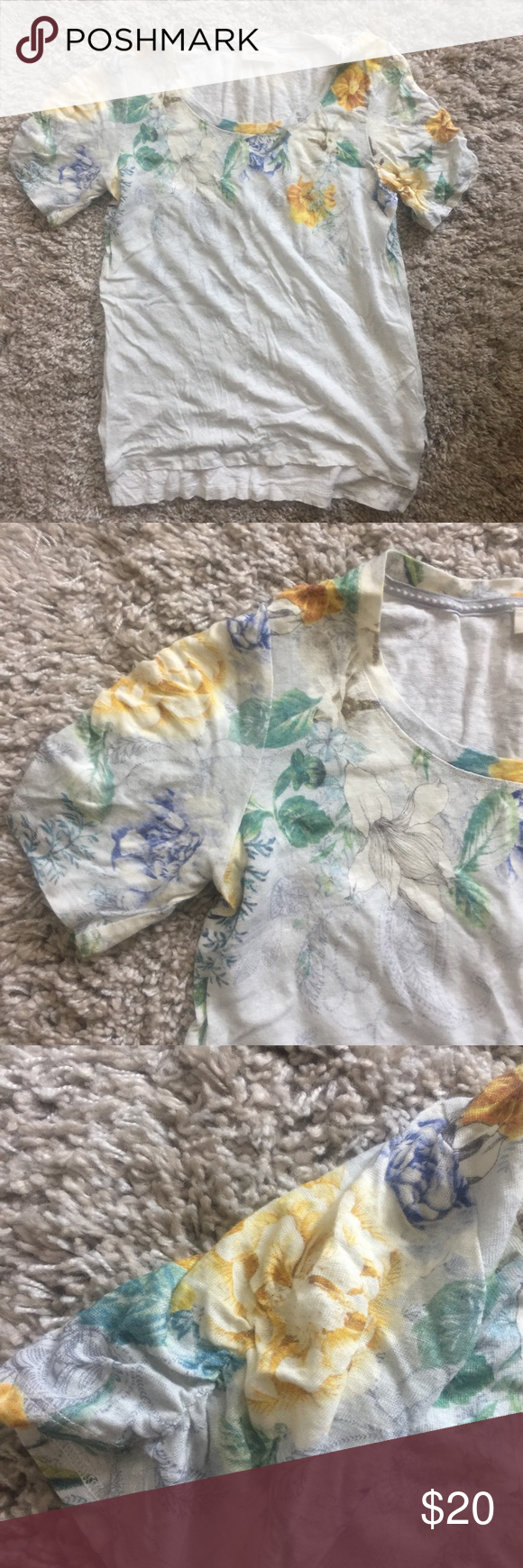 Anthropologie tee Excellent condition. Brand is Meadow rue Anthropologie Tops Tees - Short Sleeve