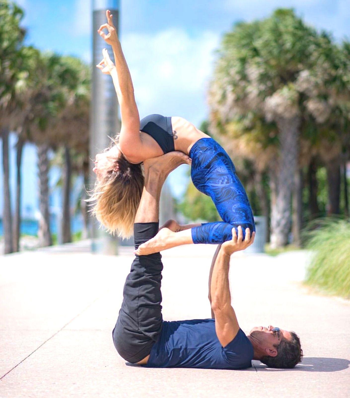 Partner Yoga Warm Up Partneryoga Couples Yoga Poses Acro Yoga