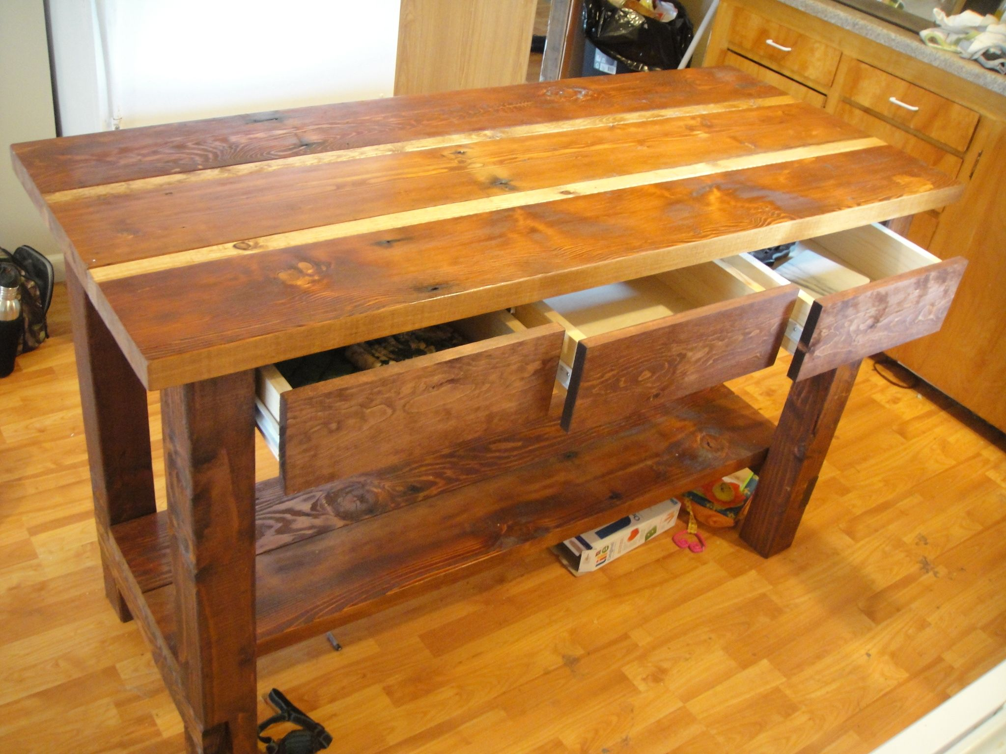 Do It Yourself Home Design: Kitchen Island From Reclaimed Wood