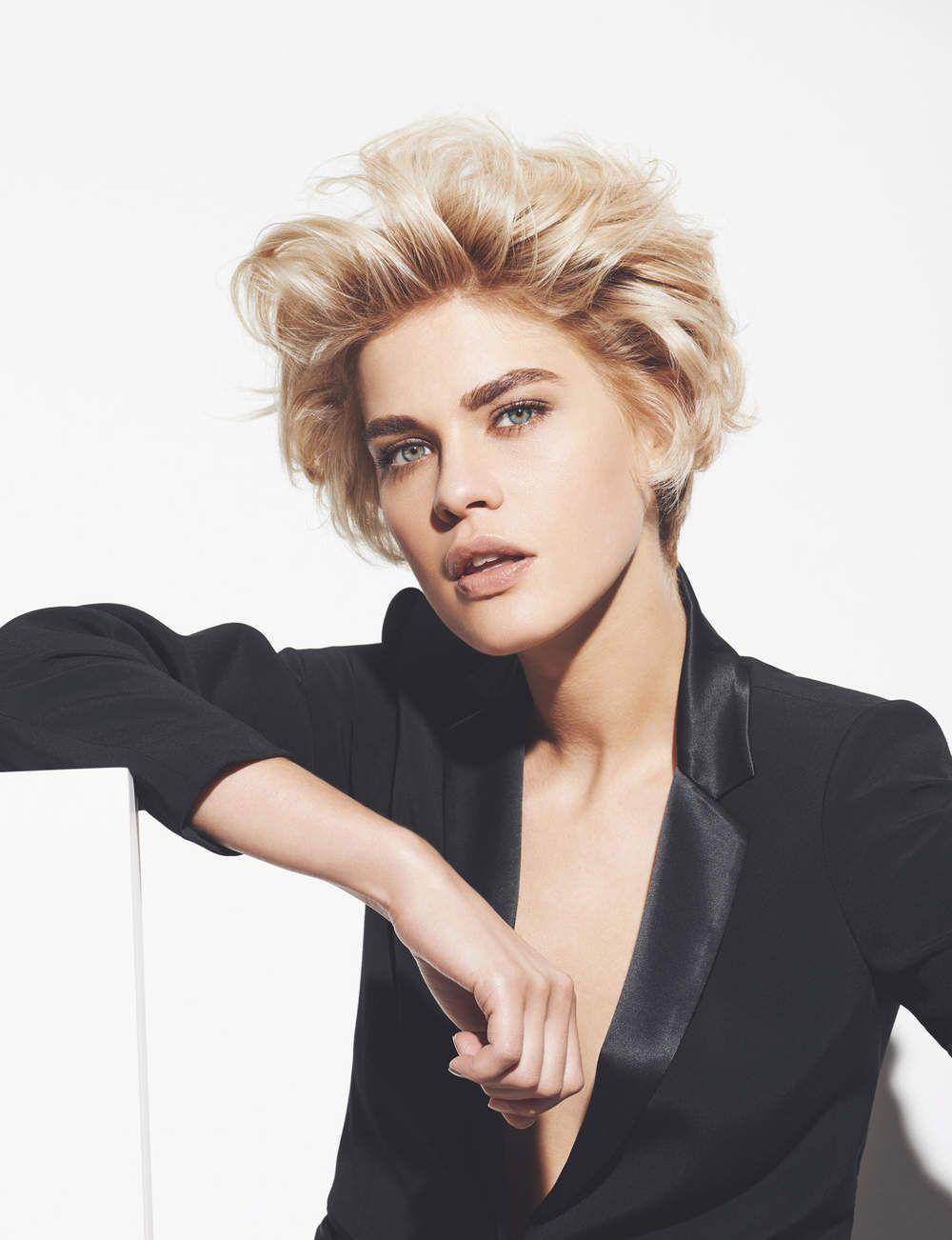 Les 10 coupes courtes de l'été Cheveux blonds ondulés