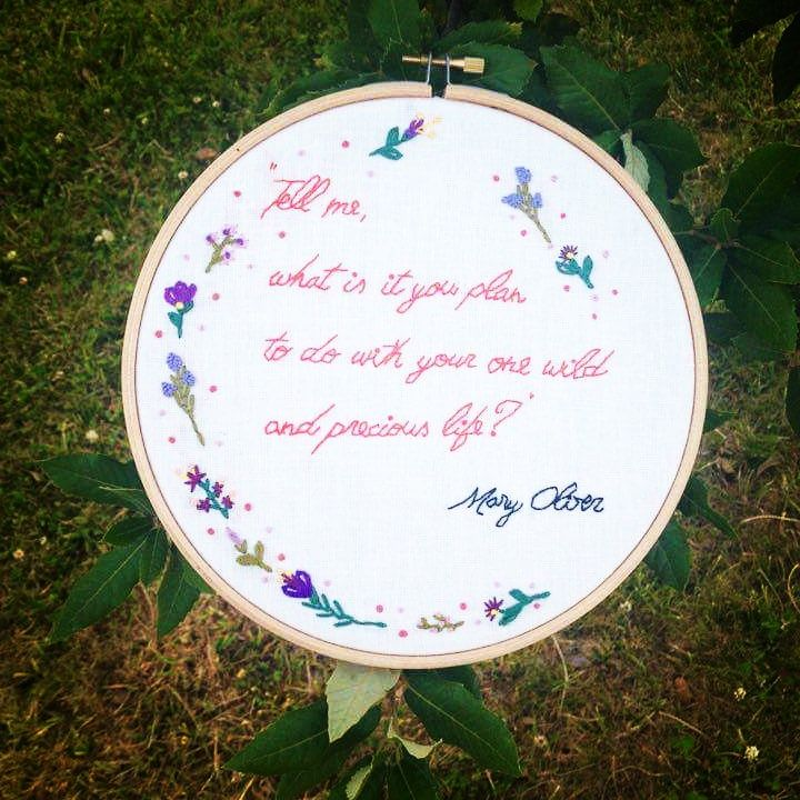 #Embroidery #Broder #Bordado #Handmade #Handmadewithlove #Hoop #Hoopart #Craft #Needlework #Needlepoint #Needlecraft #Bastidor #Maryoliver #Maryoliverquotes #Textileart #Bordadolivre #Frencknot #