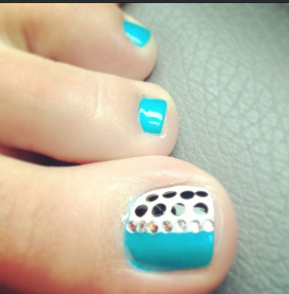 Polka Dot Toe Nail Art I Would Do More On The Other Toes Though