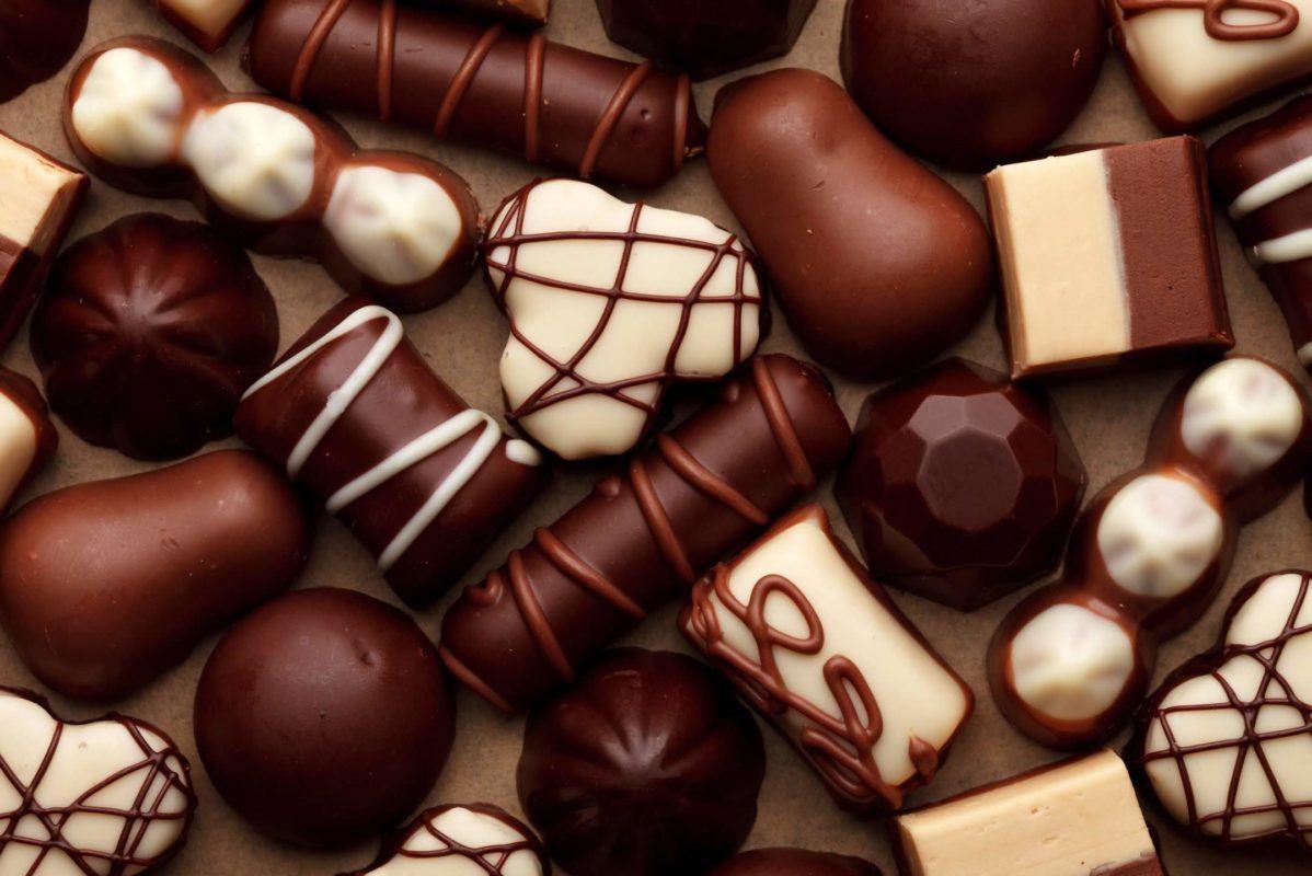 Chocolats Avec Images Fete Du Chocolat Chocolat Alimentation