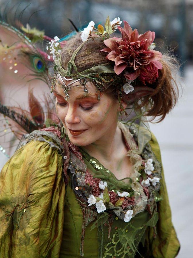 Green wood nymph. Love the head dress. | LARP - The Lady ...