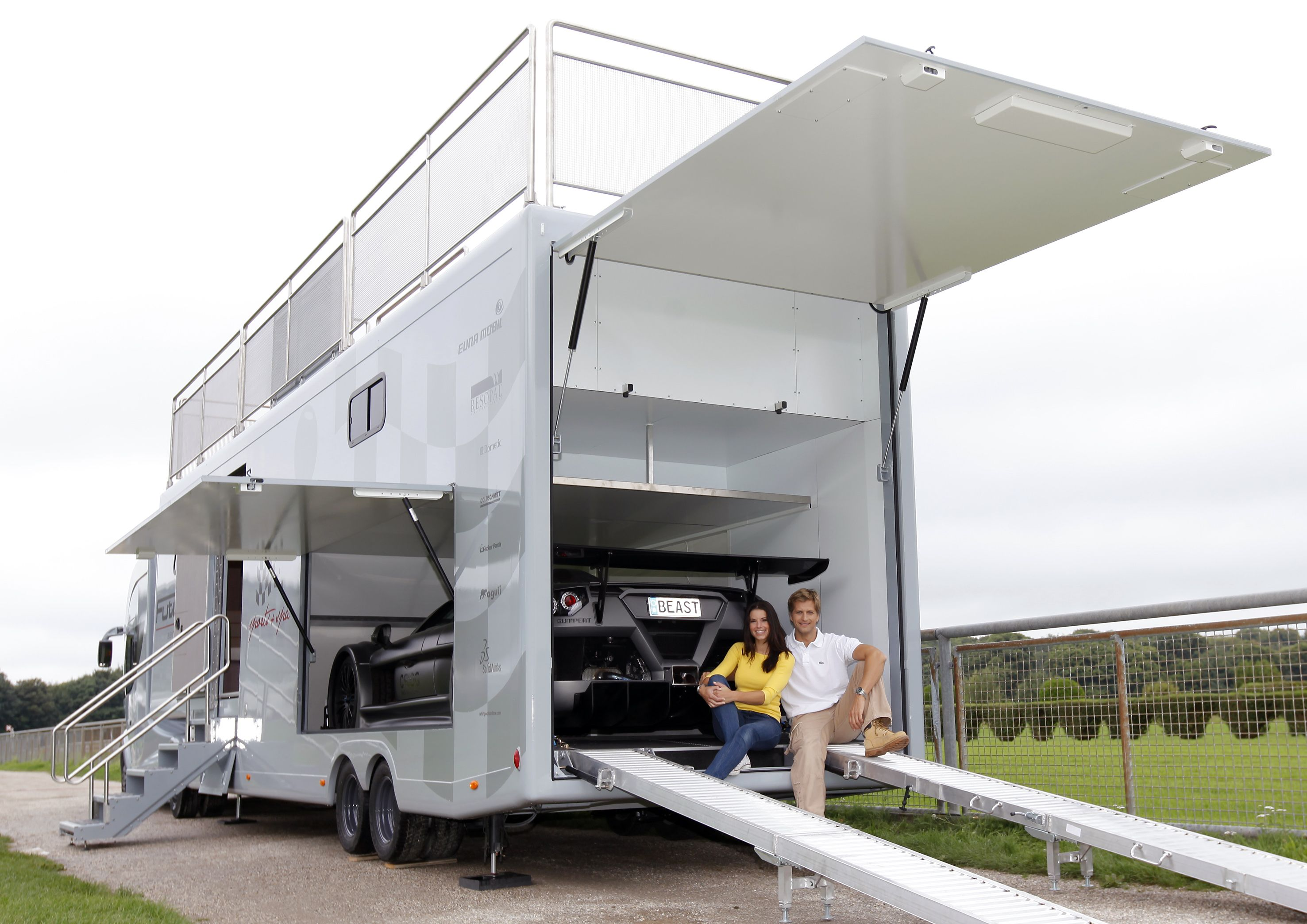 Futuria Caravan Google Search Luxury Rv Living Rv