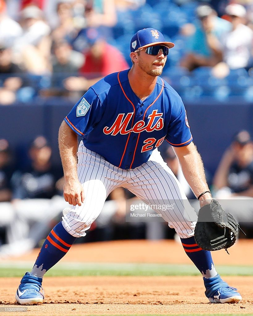Pete Alonso Of The New York Mets In Action Against The Atlanta Braves New York Mets Mets Ny Mets Baseball
