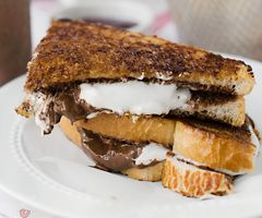 Grilled Nutella S'more Sandwiches