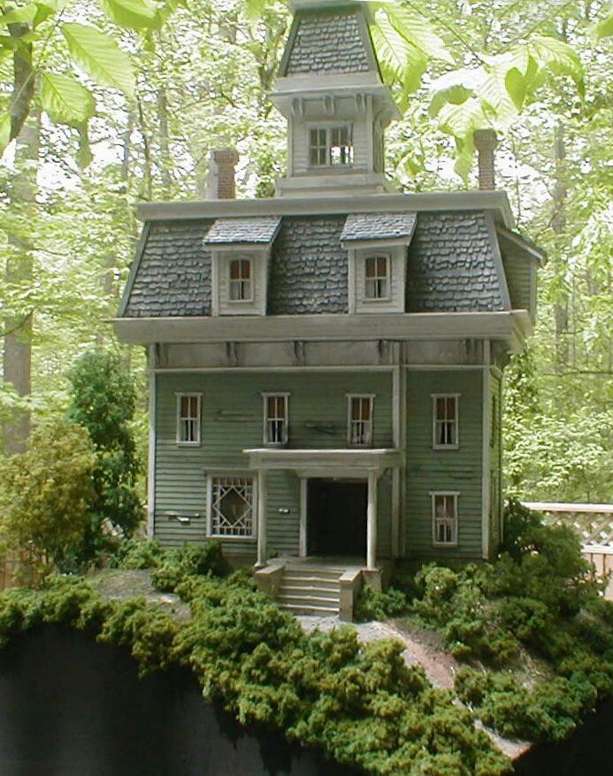 Doll house, oh goodness!