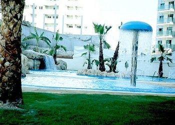 Piscina exterior Apartamentos Magic Atrium Beach