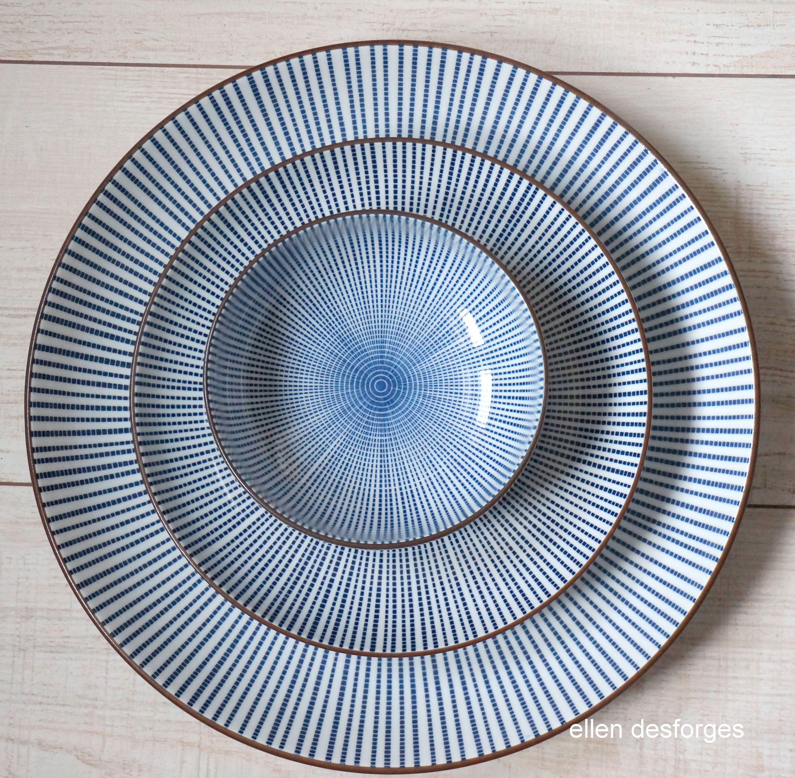 vaisselle japonaise sendan cette porcelaine blanc bleu se. Black Bedroom Furniture Sets. Home Design Ideas