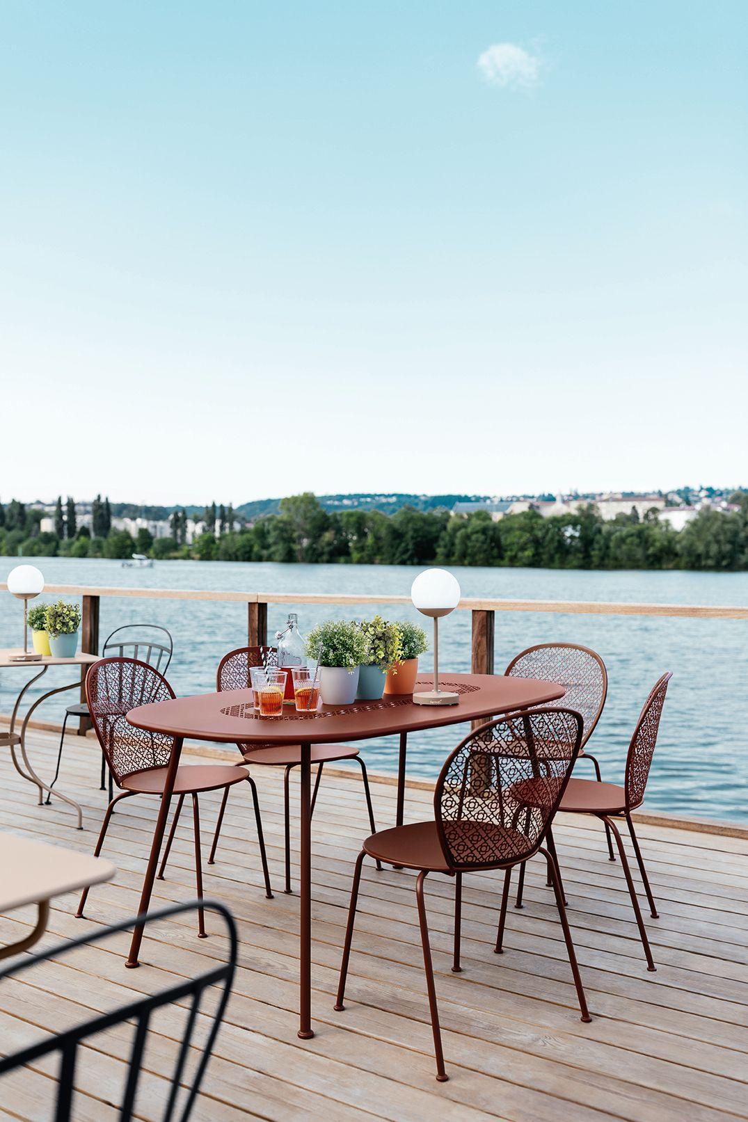 Mobilier Fermob Terrasse Restaurant Lorette Nouveaute 2019 Contractunit Mooon Mobilier Jardin Meuble Jardin Design Exterieur
