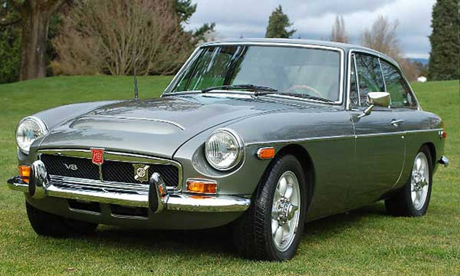 MG MGB GT V8 with MGC bonnet | British car MGB GT | Classic