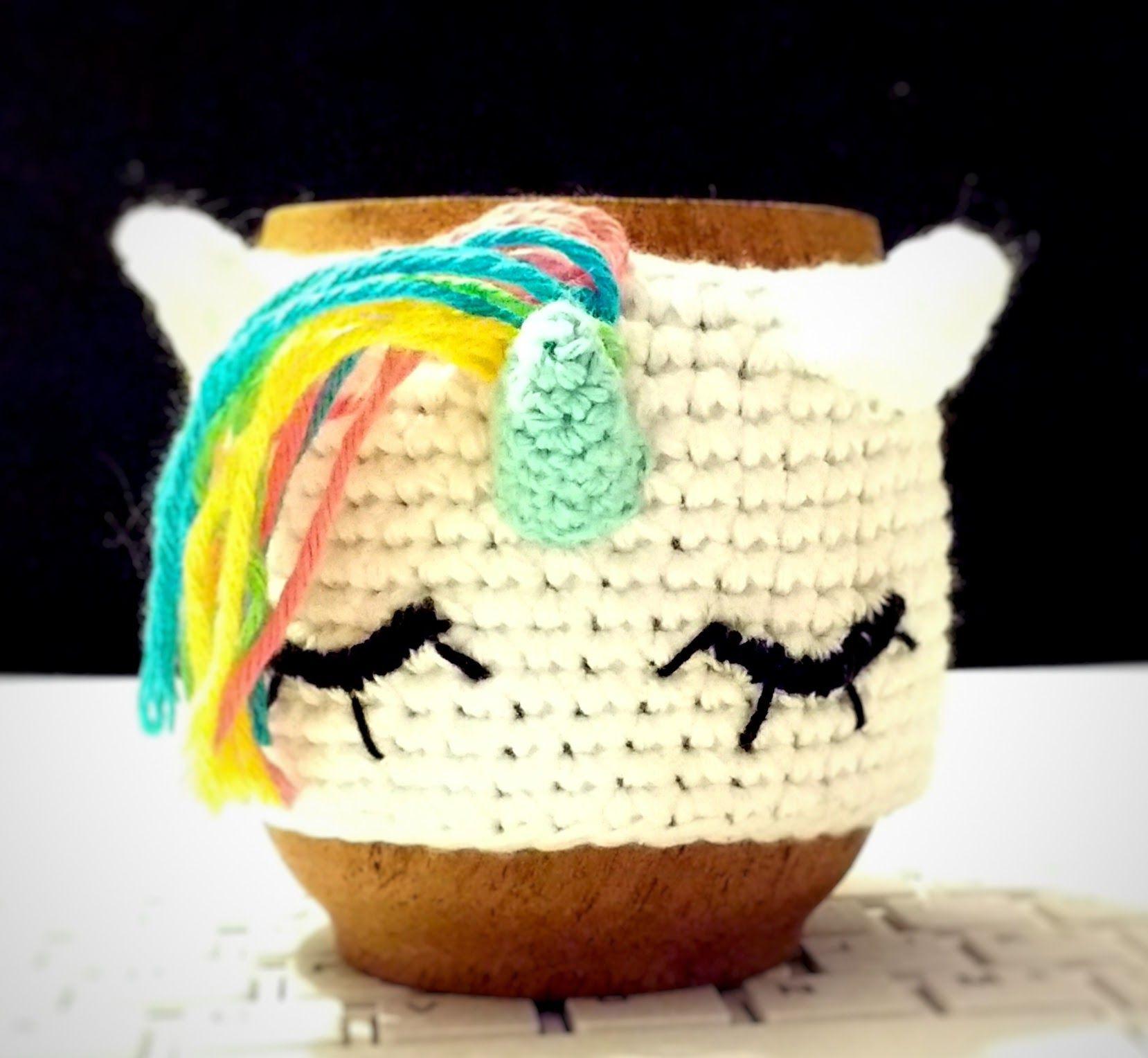 ARRE UNICORNIO!!! mate de madera con fundita al crochet, realizada a ...