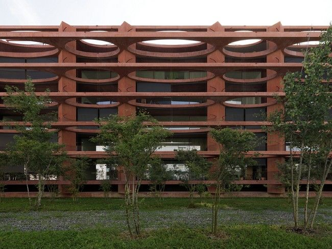 Residential Building Zug Schleife by Valerio Olgiati - http://architectism.com/residential-building-zug-schleife-valerio-olgiati/ - Residential Building Zug Schleife, Residential Building Zug Schleife Valerio Olgiati, Valerio Olgiati