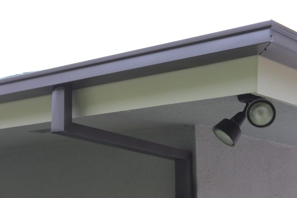 Photo Of A Plus Gutter Systems Los Angeles Ca United States 5 Inch Seamless Box Style Gutters With Smooth Custom Downspouts Wea Gutters Box Gutter Modern