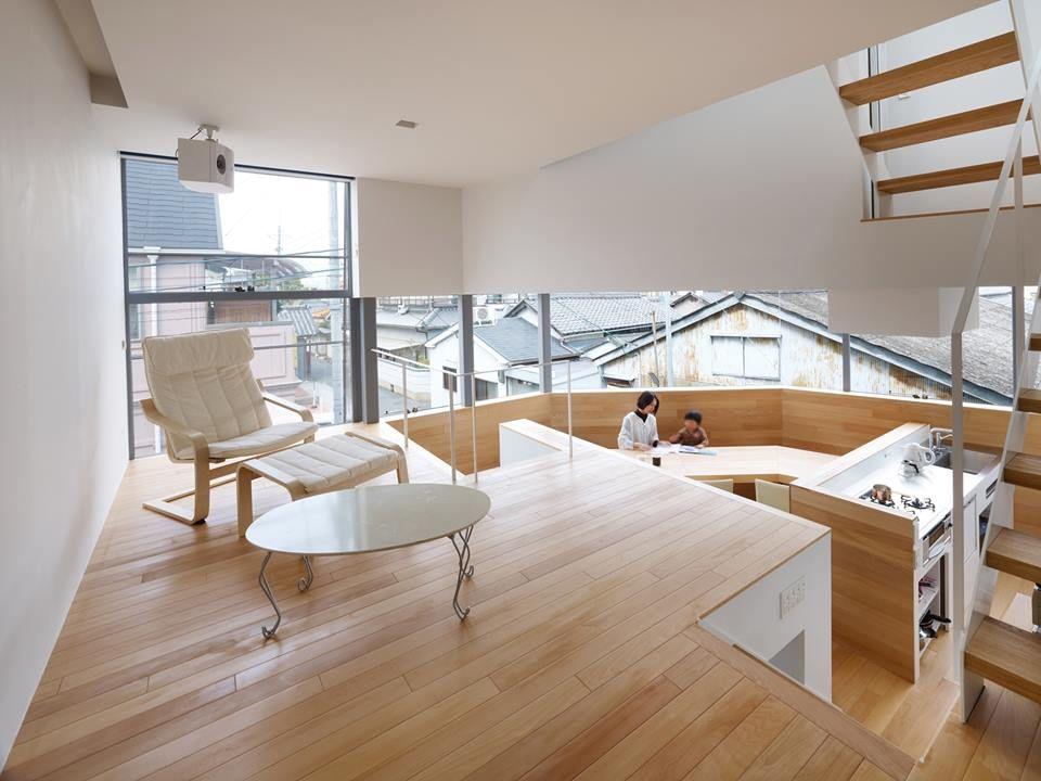 將城市的環繞街景搬回家 原來並不難 這間位於大阪的獨棟住宅 將三