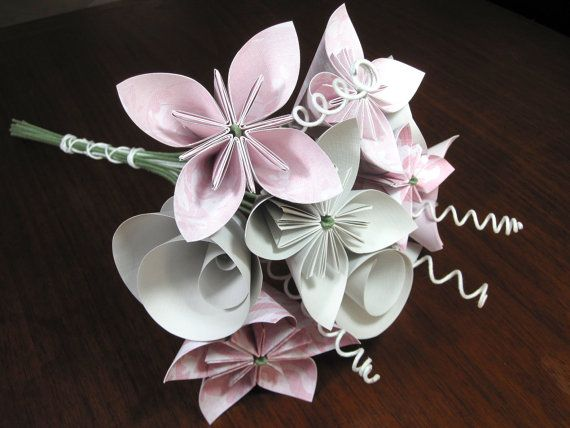 origami wedding bouquet in pink i 39 d be ok with something. Black Bedroom Furniture Sets. Home Design Ideas