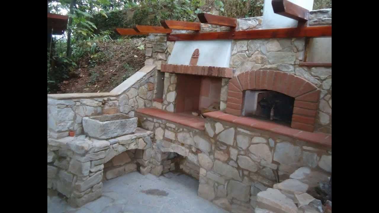 Forno a legna in pietra barbecue e fontana costruzione - Forno a legna in casa ...
