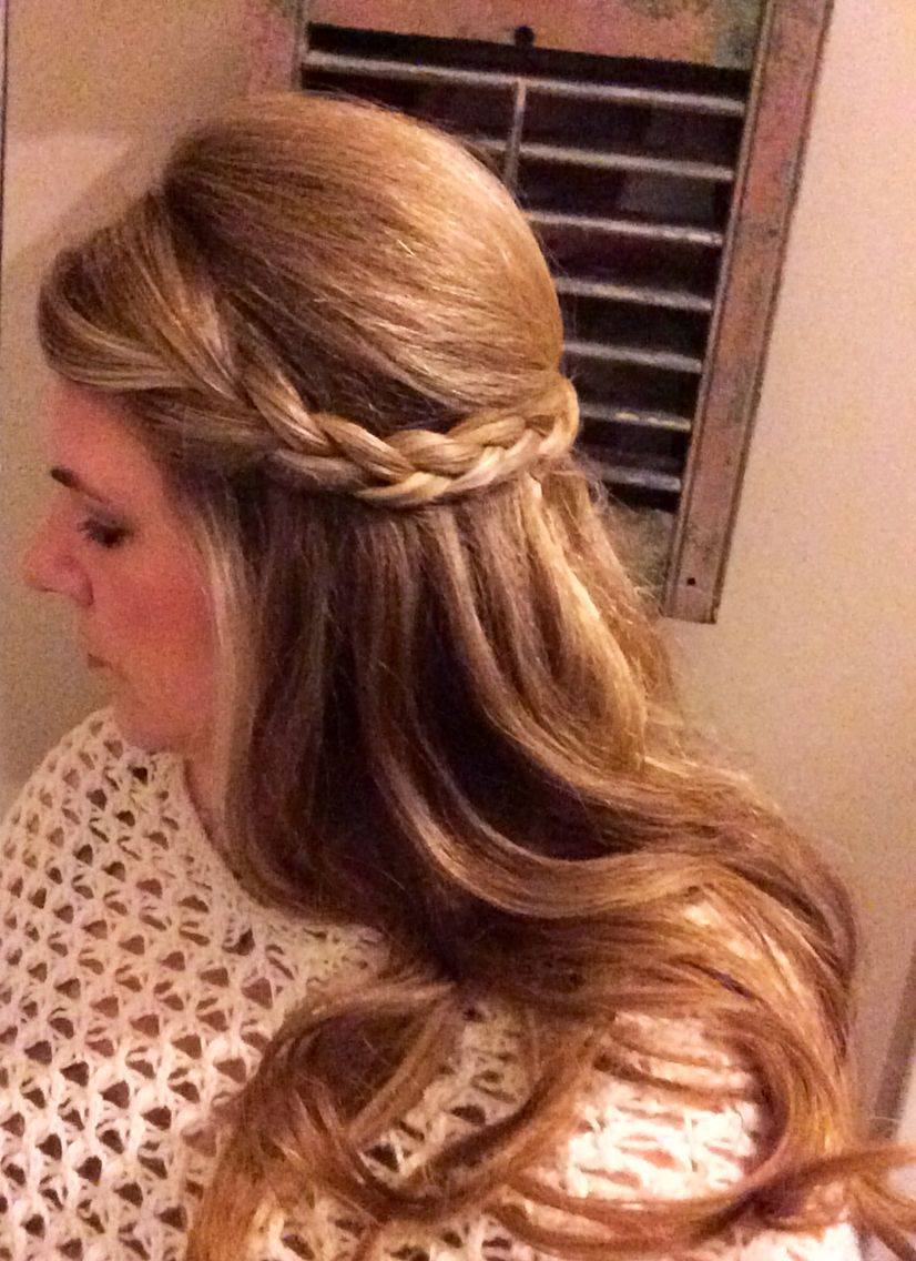 easy hairdo! bump top crown of hair and pin back leaving