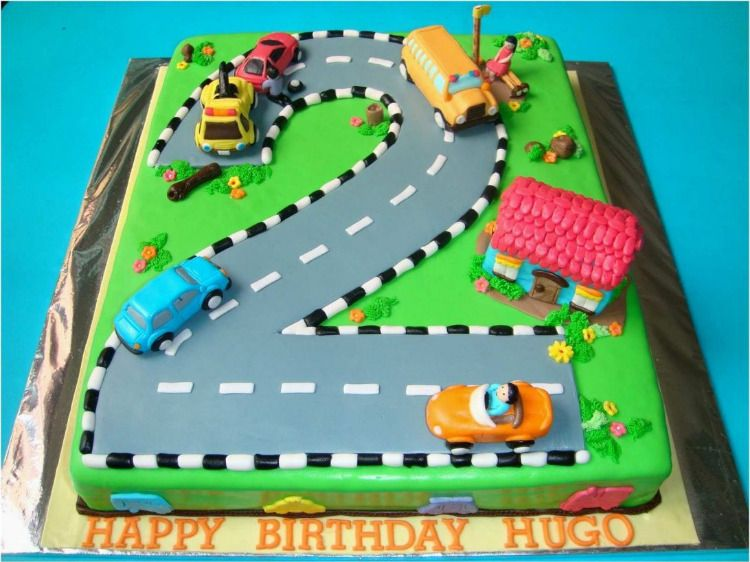 Lighting Mcqueen Cake With Images Race Car Birthday Party