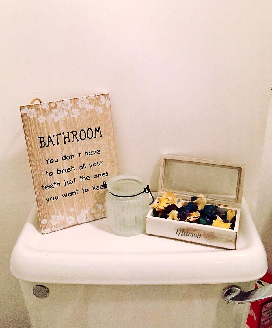 Small toilet decoration