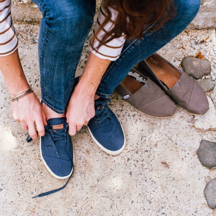 TOMS Paseos Shoes | Navy Canvas | You'll be wearing this everyday once you realize how comfortable they are. These shoes are #simple yet #sophisticated and #versatile. A solid style foundation to any outfit.