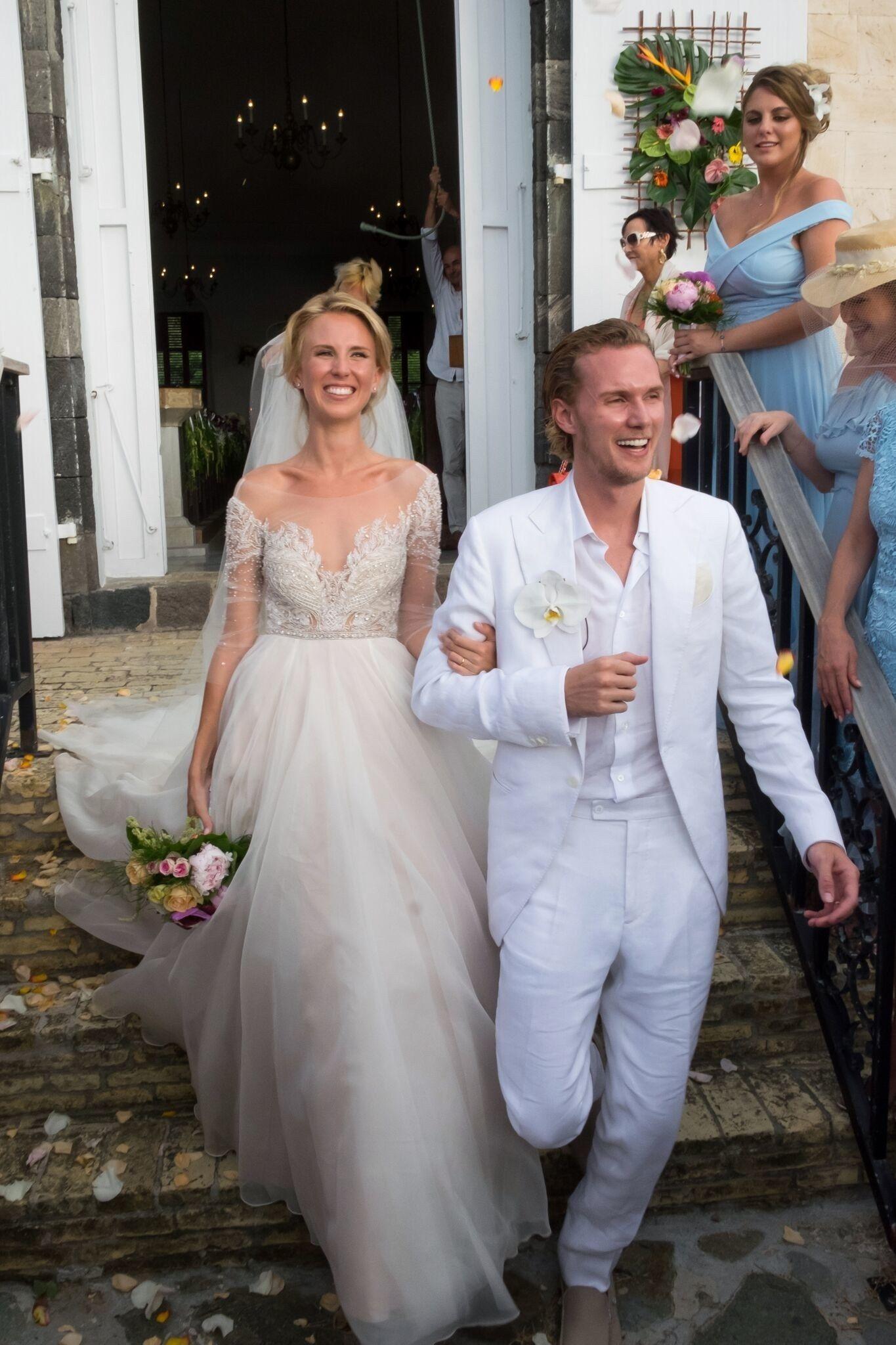 Barron Hilton And Tessa Von Walderdorff S Stunning Caribbean Wedding Celebrity Wedding Dresses Wedding Dresses Hilton Wedding