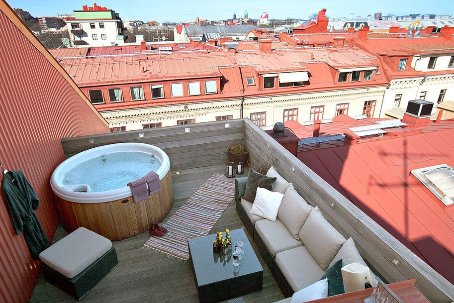 A Hot Tub At My Roof Yes Please Rooftop Patio Design Jacuzzi Outdoor Outdoor Deck
