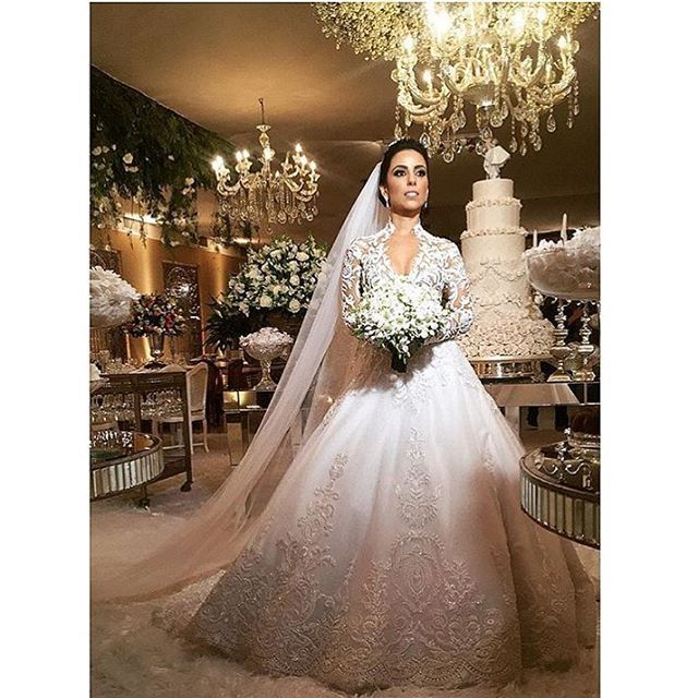 Traditional Long Sleeve Wedding Dress Designs Have A