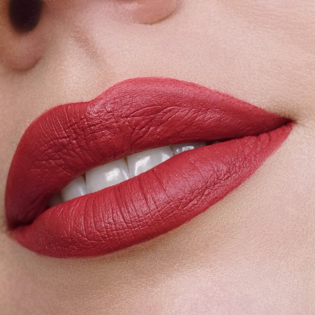Stunning Lipstick Shades You Should Try Beautiful Lip Makeup Lipstick Color Lip