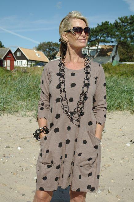 e68795a101d1 Tunika/Klänning från Baldino i nougat med svarta prickar, lång ärm, fickor  på