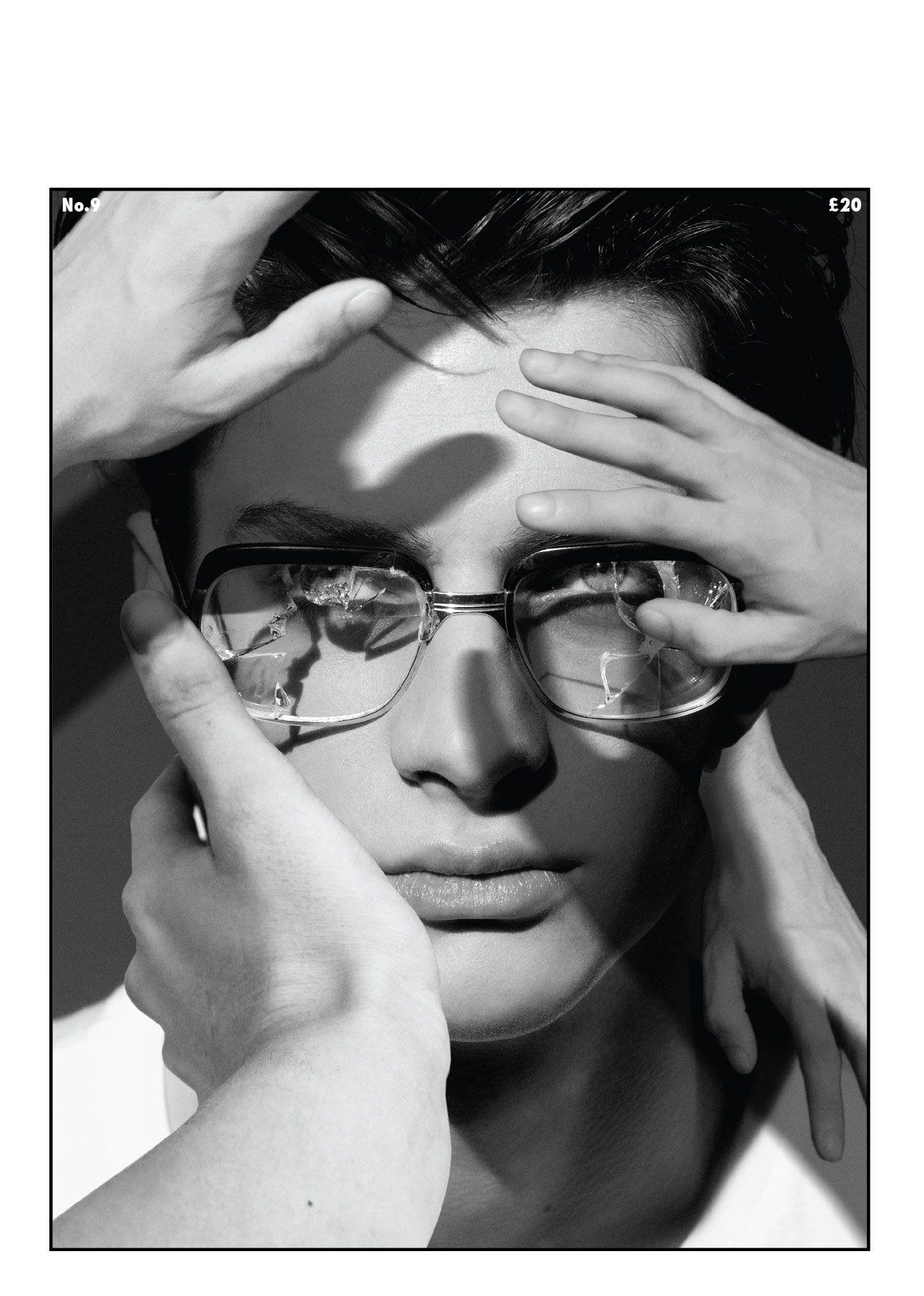 Matthew bell en portada de client magazine 9