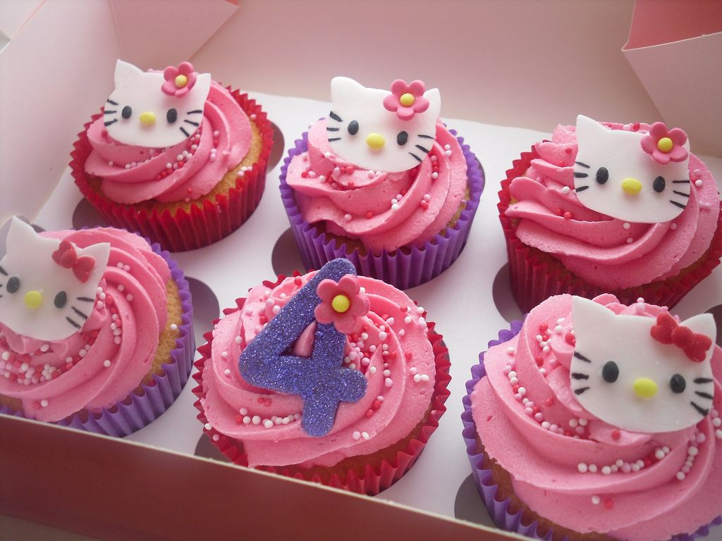 Hello Kitty Cupcakes Cakes And Cupcakes Pinterest