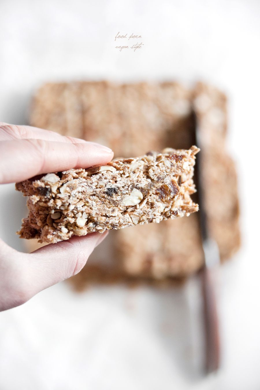 vegan spelt granola bars with almonds, hazelnuts & apricots