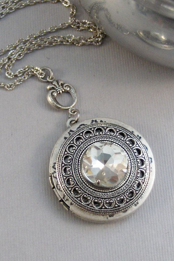 Vintage Diamond Locket,Vintage Diamond,Vintage STone,Vintage Crystal,Vintage Necklace,Vintage Diamond Necklace,Vintage Silver Necklace