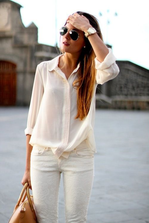 Classy and chic white beachy Summer / Spring outfit. White jeans with a  sheer white