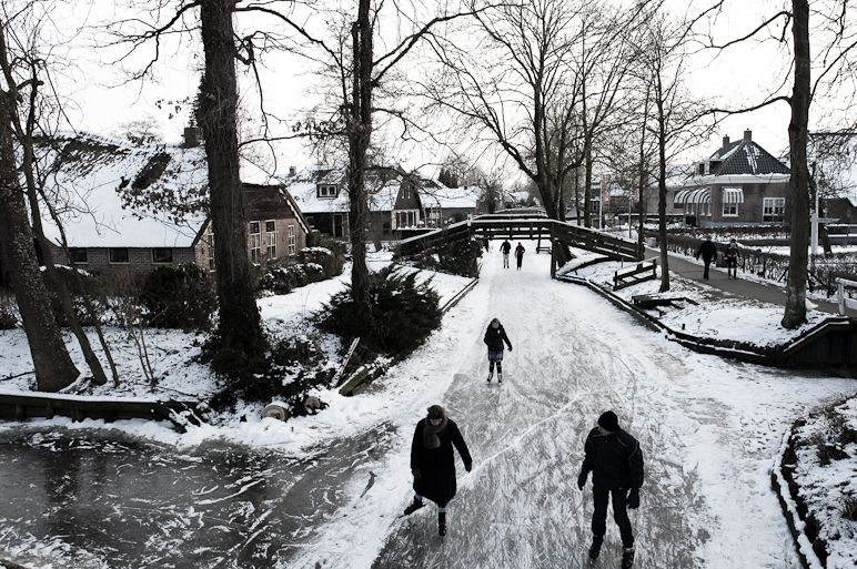 Giethoorn Holland A Village Without Roads In The Winter We Skated