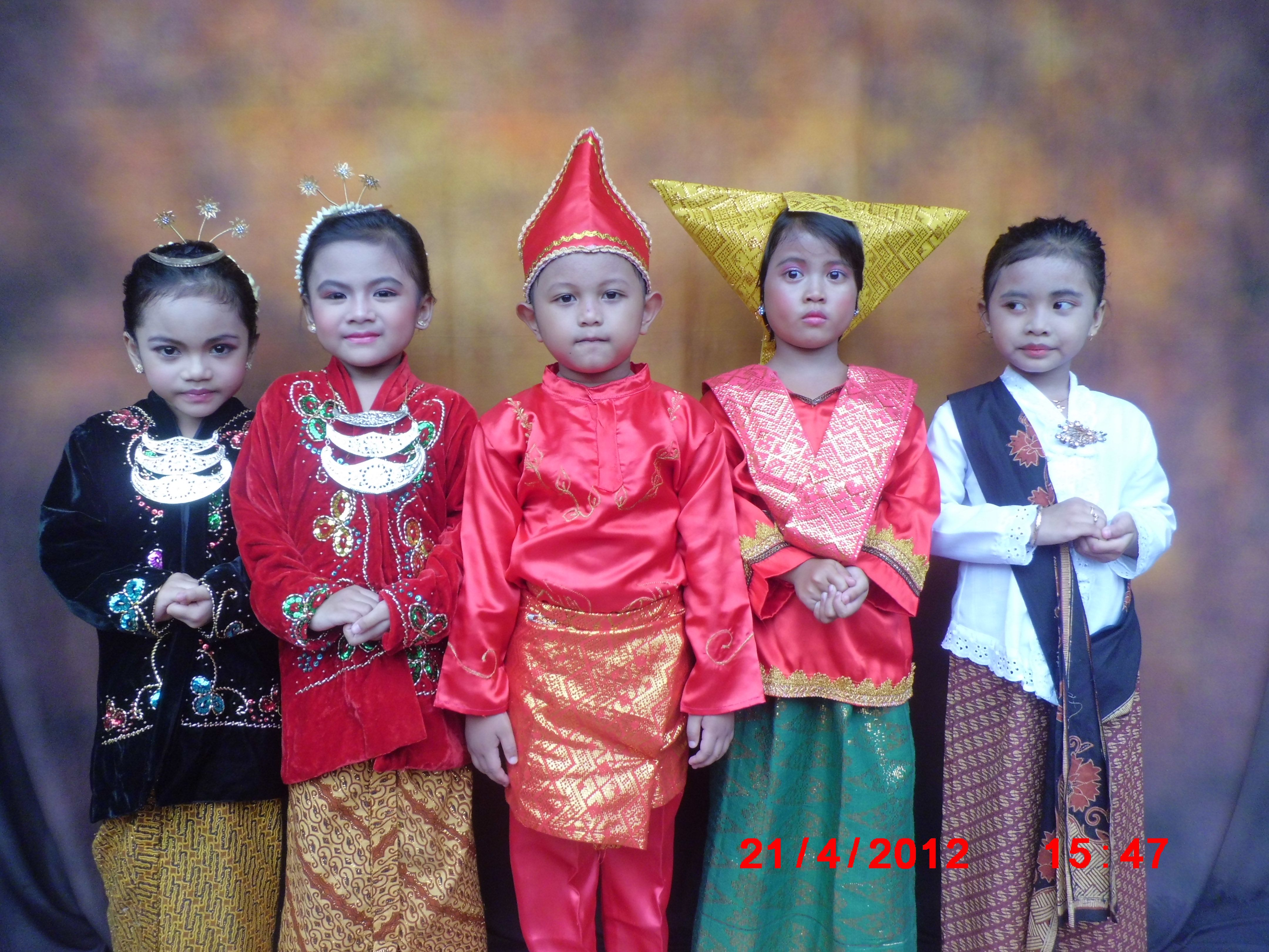 Indonesia traditional clothes Traditional outfits