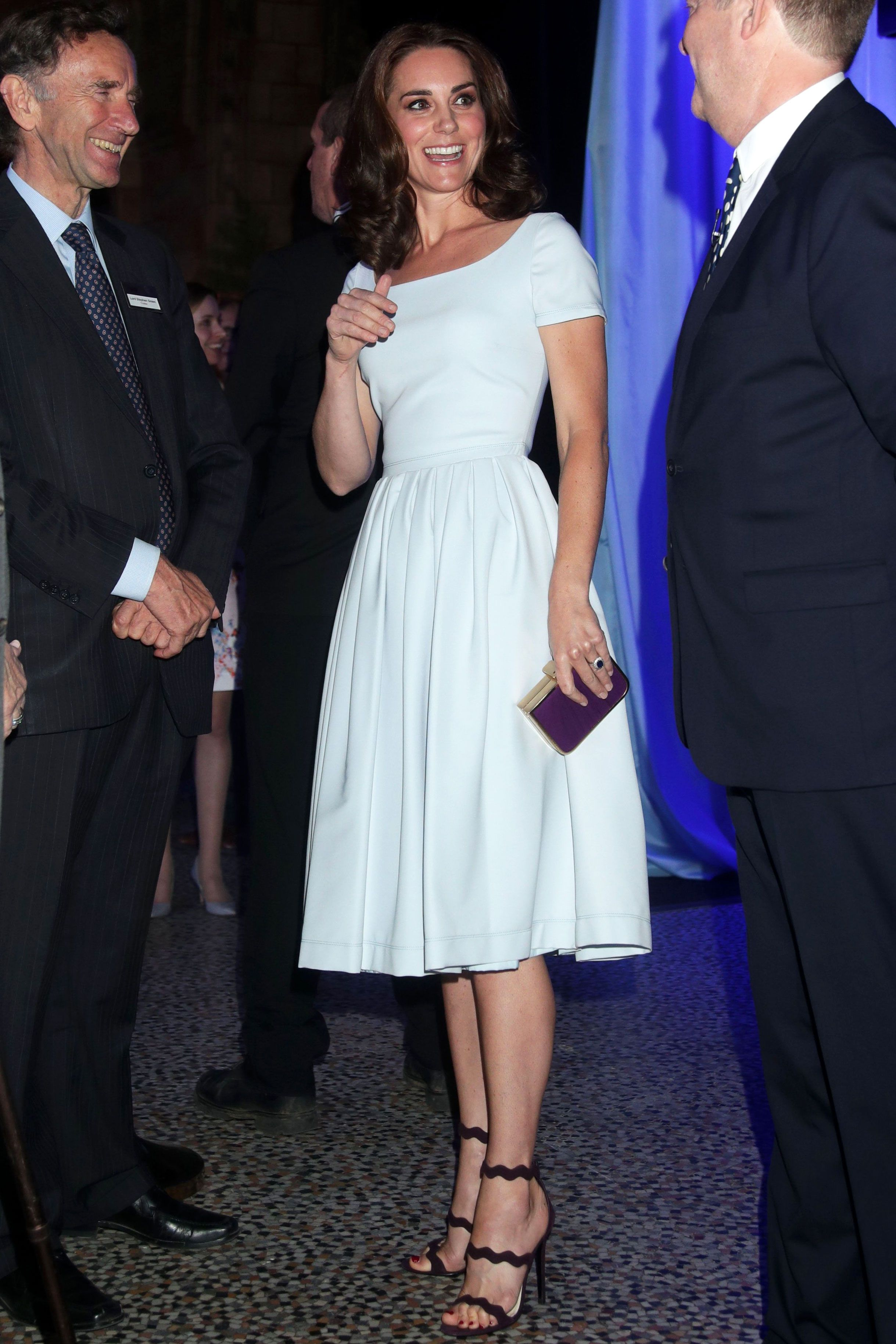 From Prada to Kate Middleton, the Alice Headband Is Officially Back in Business foto