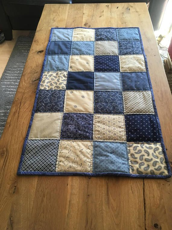 Table runner- shades of blue 100% cotton fabris, back pure linnen, quilted patchwork
