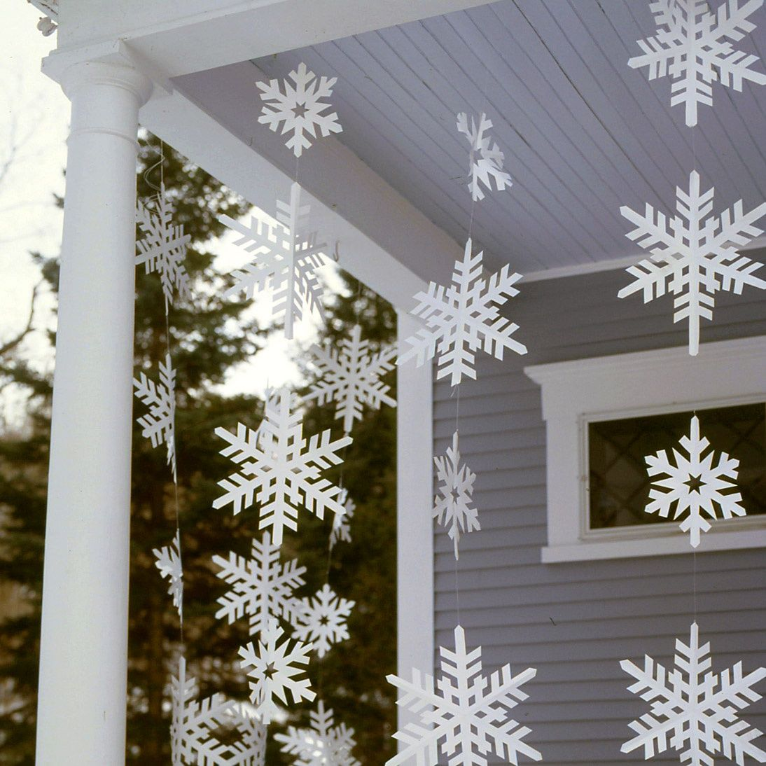 Frosty Banners | Step-by-Step | DIY Craft How To's and Instructions| Martha Stewart