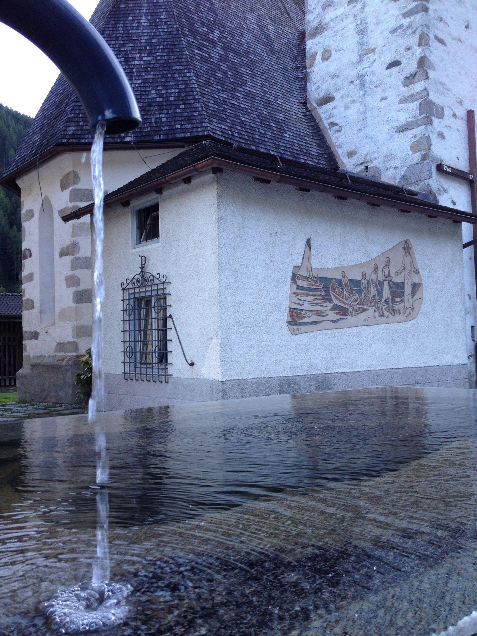 Brunnen Auf Dem Schonen Kirchplatz In Weissenbach