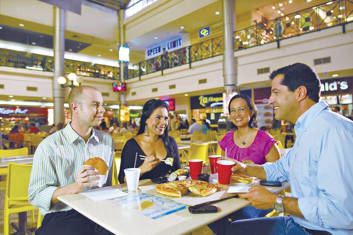 #PlazaMerliot #CentroComercial #Compras #Familia #FoodCourt #Comida #ShoppingCenter #Tecleños #Purchases